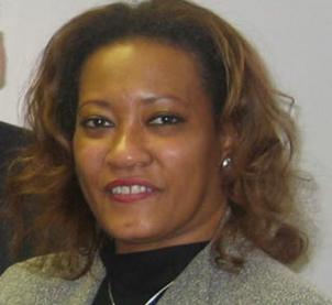 Mme Jeannine B. Scott